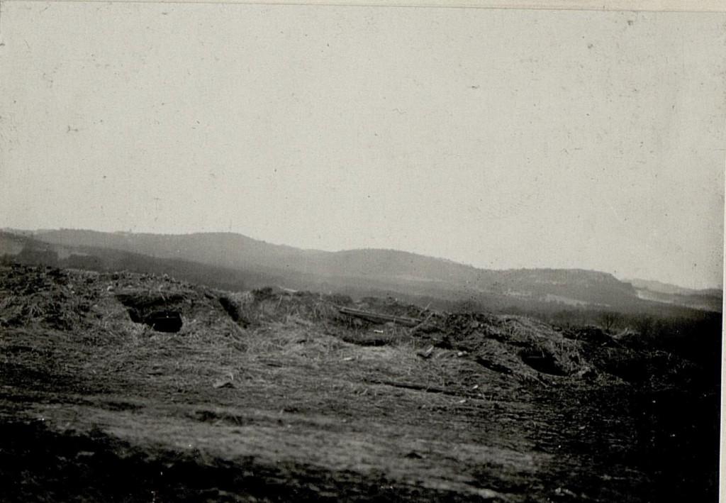 Schützengräben auf dem Schlachtfeld von Lgota Murovana.